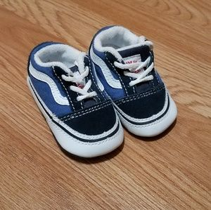 Infant pre Walker Van's size 2